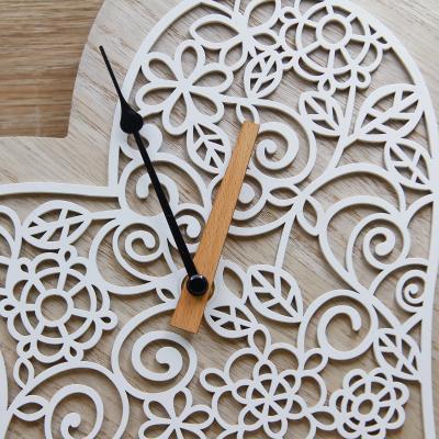 Orologio Cuore con Decori Floreali Claraluna