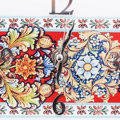 Orologio Floreale in Rosso Personalizzabile Prendimi per Mano Solidale