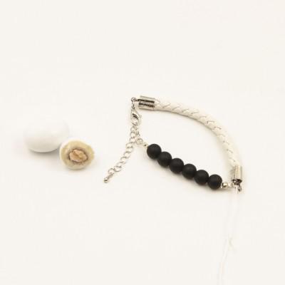 Bracciale Bianco con Perle Nere