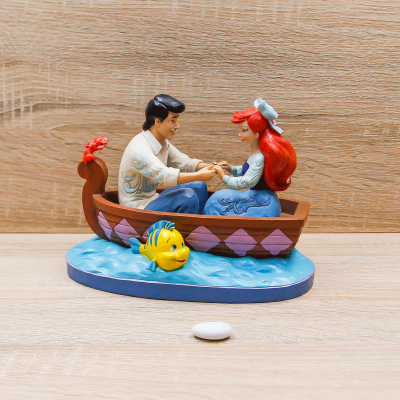 Ariel e Eric sulla Barca Disney Traditions