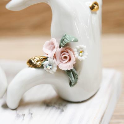 Mani LOVE con Rose Porcellana di Capodimonte