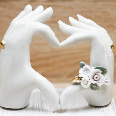 Mani LOVE con Rose Glicine Porcellana di Capodimonte